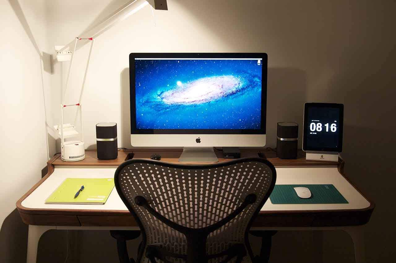 22 Creative Desk Lamp Designs