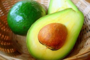 7 Things You Didn't Know Avocado Oil Could Do
