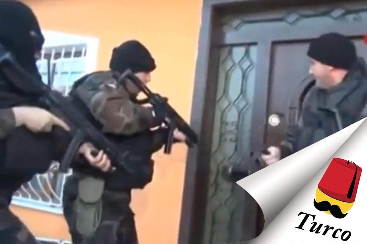 FAIL – Police Vs. Door