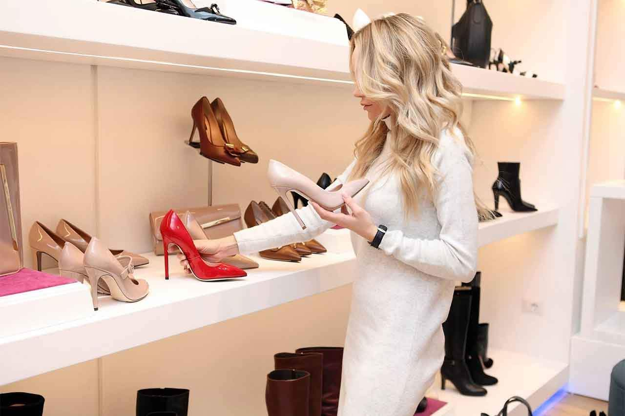 Seasonal Shopping Guide: Know When to Buy What